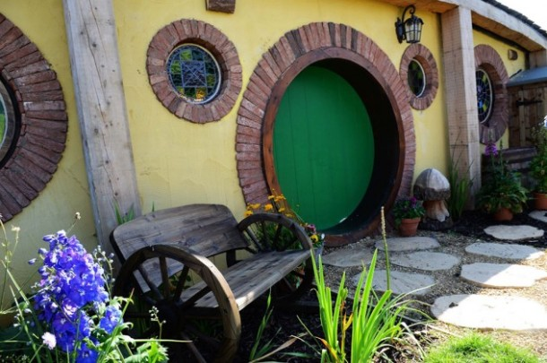 Family-turn-their-home-into-a-Hobbit-House-5-632x420